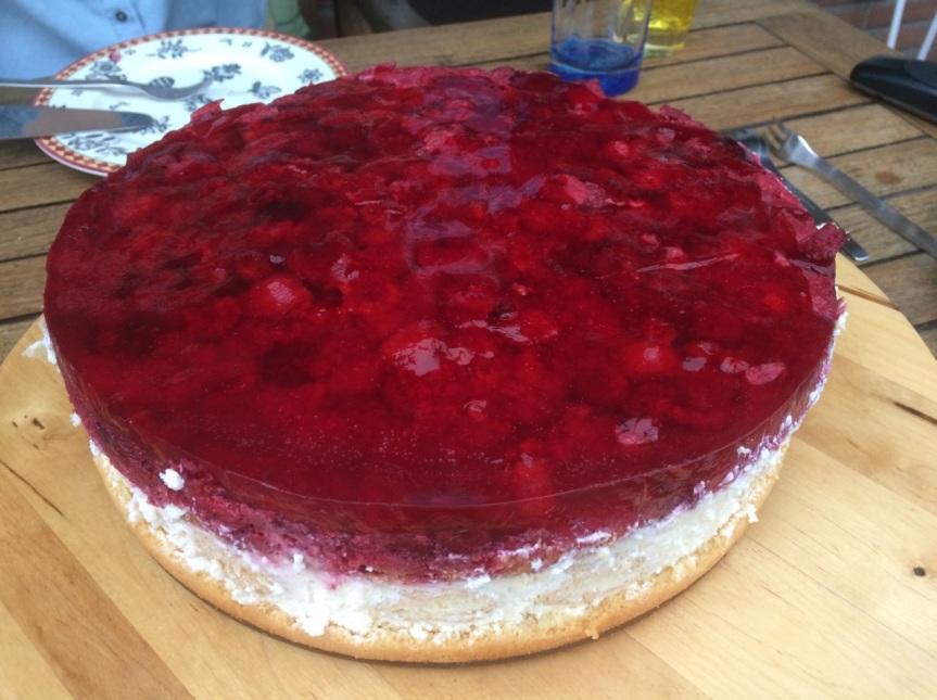 Himbeer-Philadelphia-Sommer-Torte