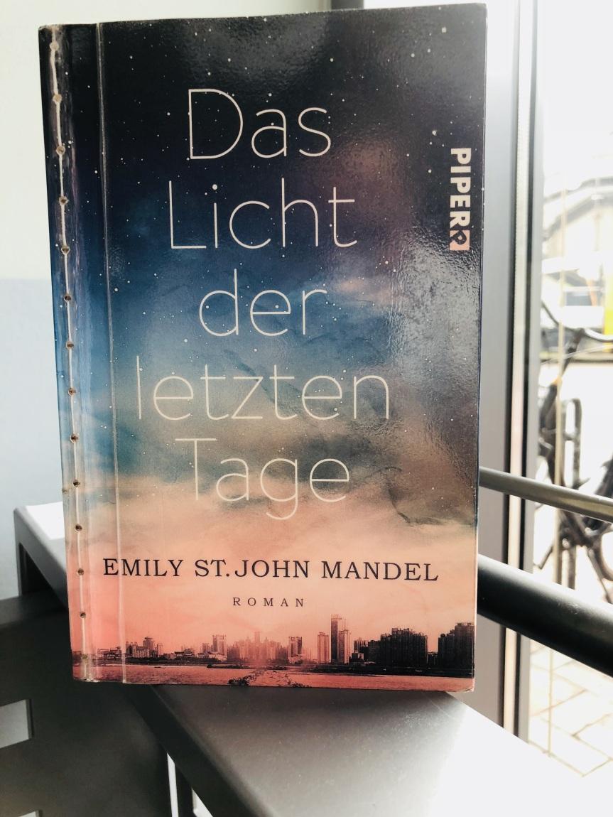 Keine Rezension: Das Licht der letzten Tage von Emily St. JohnMandel