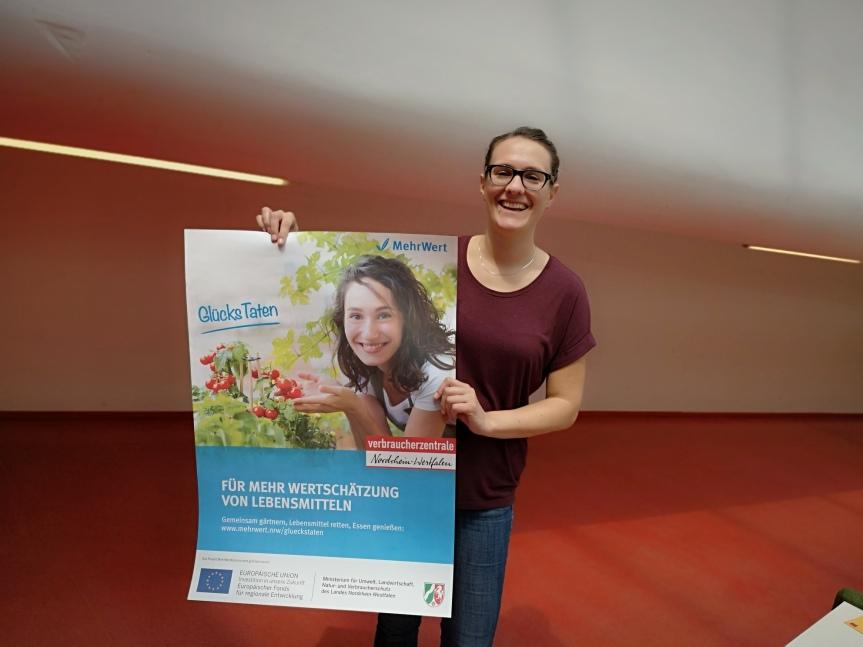 Zu Gast in der Mediothek – GlücksTaten und die Verbraucherzentrale Krefeld mit PhilineBarrawasser